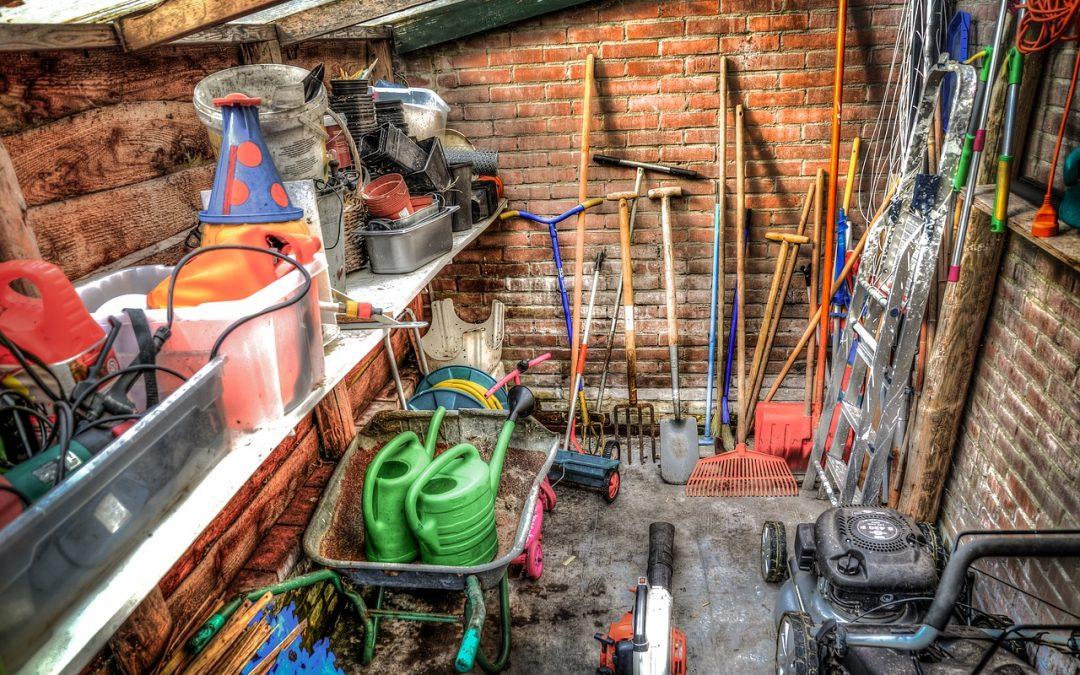 Un coup d'œil sur les outils du jardin